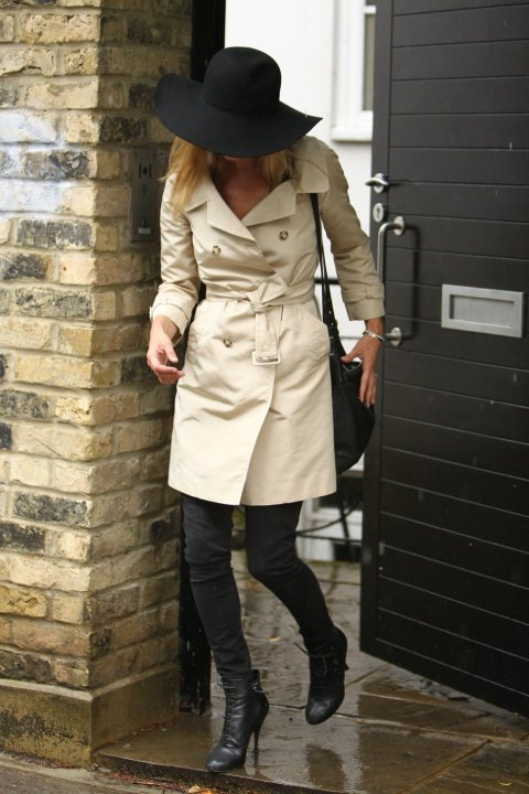 la-modella-mafia-fall-2012-trend-a-chic-easy-trench-coat-kate-moss2
